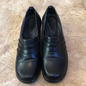Ladies shoes sz 9 by Dansko